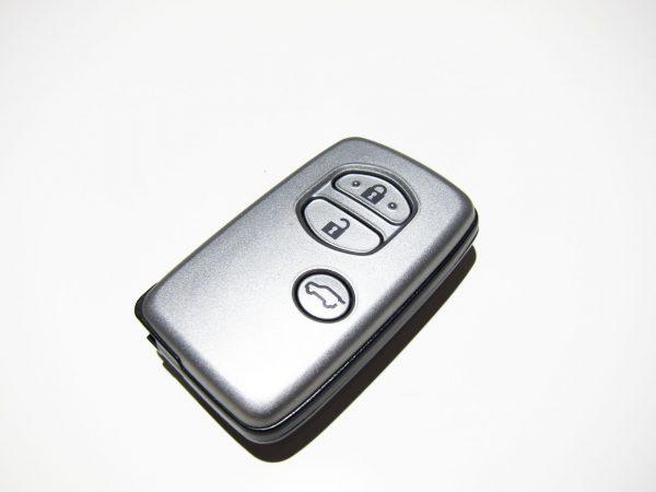 Смарт ключ Toyota Tokai rika B74EA
